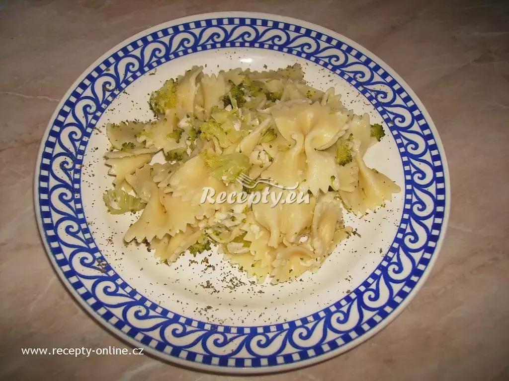 Těstovinový salát s brokolicí recept  těstoviny