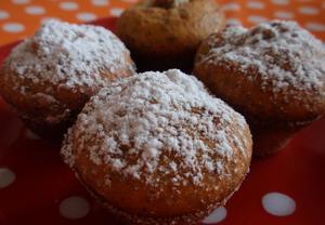 Makové muffiny (nejen) se švestkami