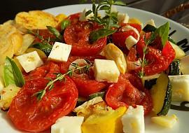 Salát z pečených rajčat a cuket recept