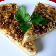 Cibulový koláč s ořechy recept