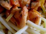 Kuřecí pikantní špalíky s makaróny recept