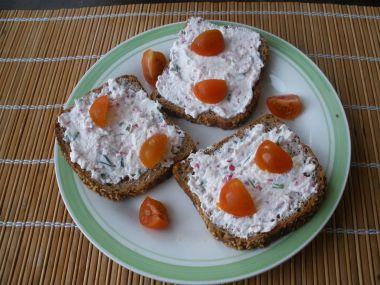 Ředkvičková pomazánka s balkánským sýrem