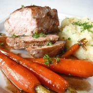Telecí steak s glazovanou karotkou recept