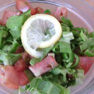 Barevný salát s citronovou zálivkou recept