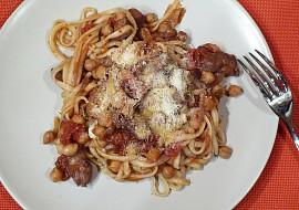 Kuřecí linguine s cizrnou a rajčaty recept