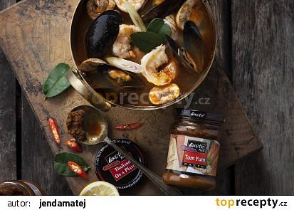 Polévka Tom Yum s plody moře recept