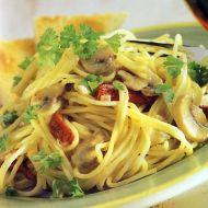 Špagety se žampiony na víně recept