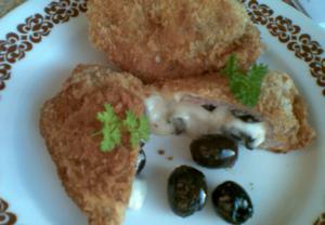 Řízky se sýrem a olivami