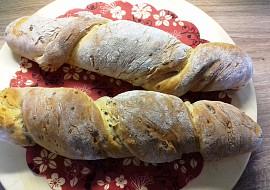 Kořenový chléb s cibulkou recept