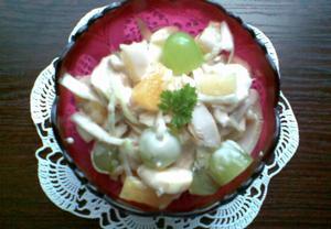 Ovocný salát s krůtím masem