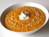Mrkvová polévka s červenou čočkou a tvarohem recept ...