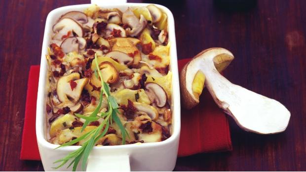 Zapečené brambory s houbami