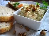 Nivová pomazánka s mrkví a ořechy recept