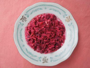 Vařená červená řepa s máslem