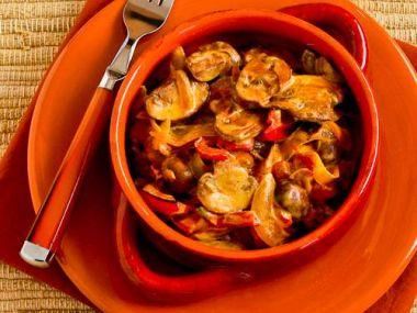 Houbový guláš s paprikami