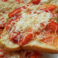 Pikantní paprikový toast recept