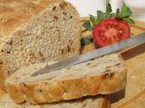 Syrovátkový chléb se sušenými rajčaty a cibulkou recept ...