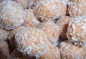 Piknik medové kuličky  kokosové