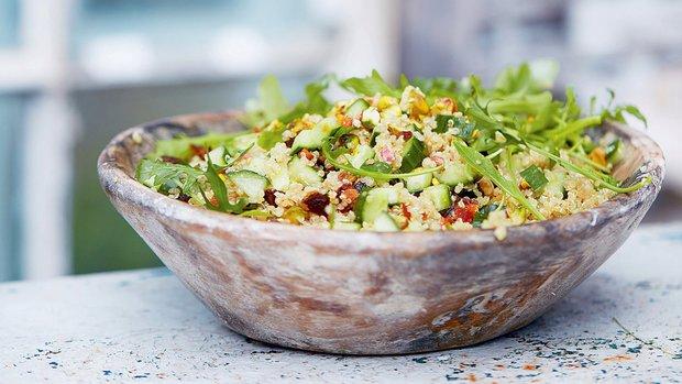 Quinoa s pistáciemi a meruňkami