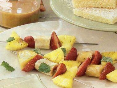 Grilované ovocné špízy