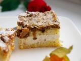 Drobenkový tvarohový koláč zalitý šlehačkou recept