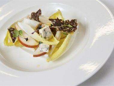 Čekankový salát s jablky