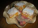 Meruňkové řezy s kokosovou pěnou recept