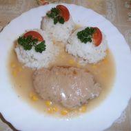 Vepřové plátky s hráškem a kukuřicí recept