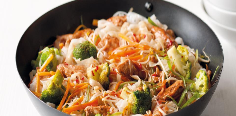 Kuřecí chow mein (cchao mien)