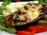 Lilek s vepřovým masem, hříbky a oregánem recept