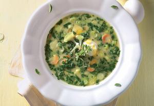 Zeleninová polévka se šťovíkem a smetanou
