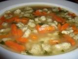 Polévka s drožďovými noky recept