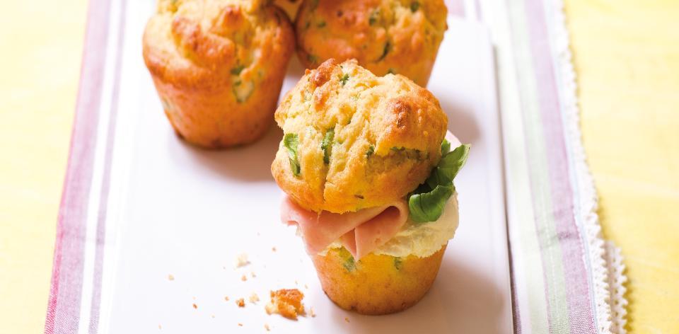 Slané muffiny z kukuřičné mouky se šunkou