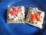 Slané krekry se sardelovou pěnou recept
