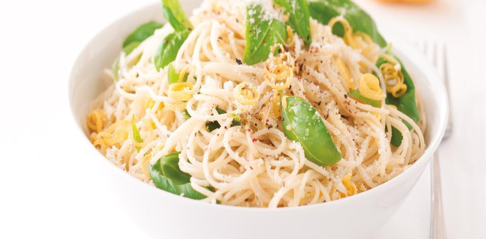 Špagety s česnekovou omáčkou s citronovou šťávou