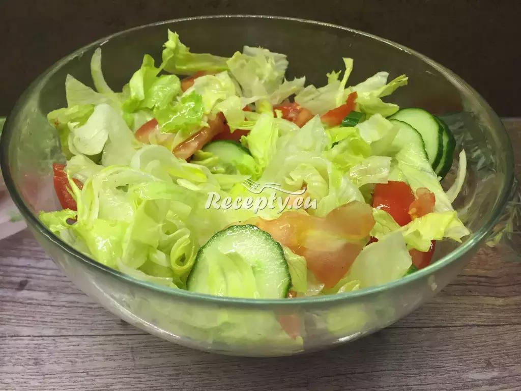Ledový salát s parmazánem recept  saláty