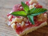 Rybízový  jahodový tvarohový koláč recept