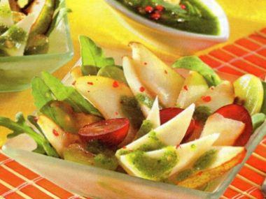 Hruškový salát s roketovým pestem