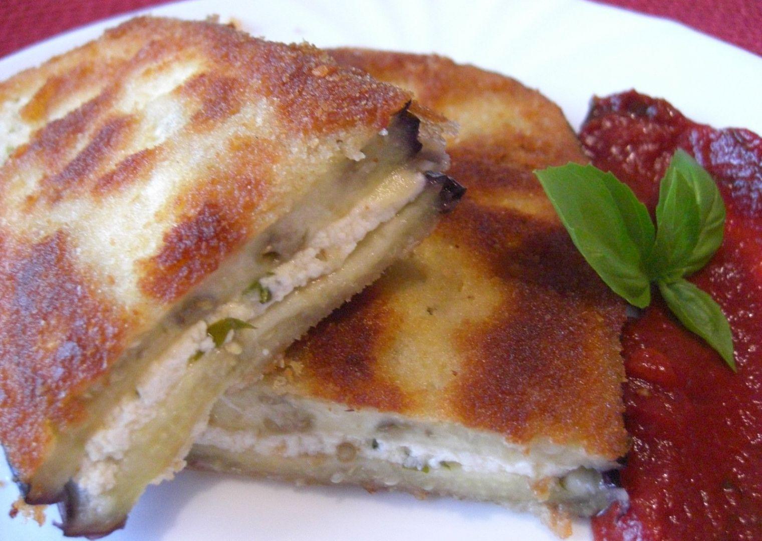 Obalovaný lilek plněný sýrovou směsí recept