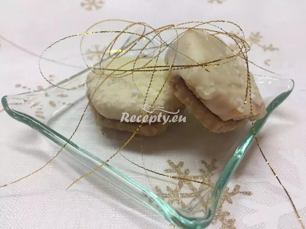 Nejen vánoční ořechová kolečka recept  nejen vánoční cukroví ...