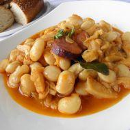 Dušené dršťky s fazolí a klobásou recept