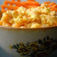 Mrkvová pomazánka se sýrem a jogurtem recept