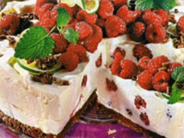 Jogurtový dort s malinami