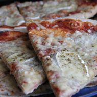 Sýrová pizza s kořením recept
