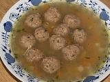Hovězí polévka s masovými pumlíčky recept
