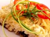 Pekáček s brynzou, lilkem, uzeným masem a špagetami recept ...