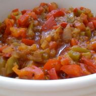 Paprikové kostičky v rajčatové omáčce recept