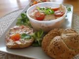 Rychlá pomazánka z Lučiny, tvarohu, rajčátek a jiné zeleniny recept ...