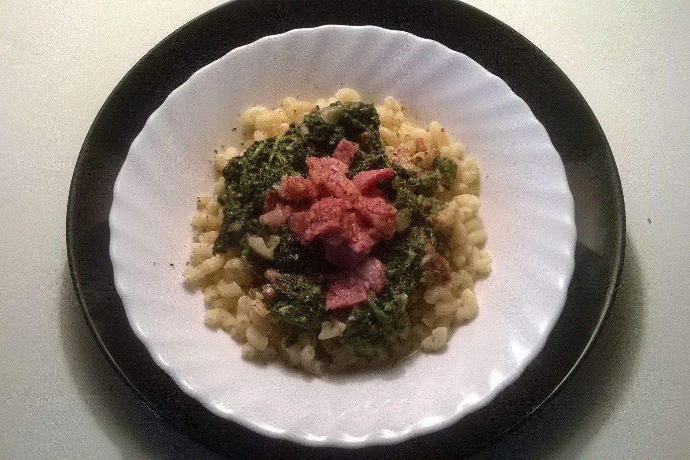 Těstoviny se špenátovou omáčkou recept