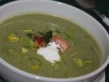 Pórková polévka s lososem a koprem recept
